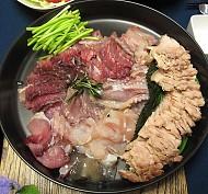 Món cá đuối lên men bốc mùi chất thải của Hàn Quốc