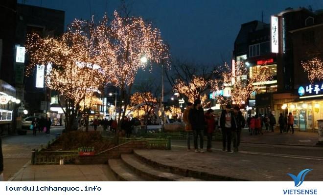 Khám Phá Điểm Ăn Chơi Tại 4 Làng Đại Học Ở Seoul - Ảnh 1