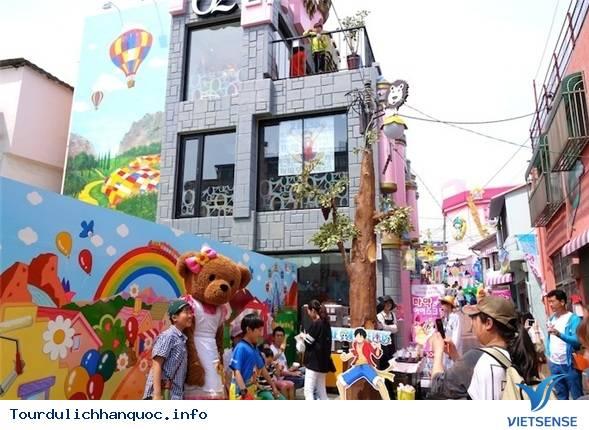 Cùng khám phá ngôi làng trẻ thơ khi tới Hàn Quốc - Ảnh 1