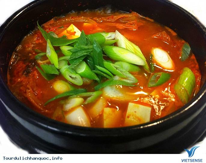 Những món canh thường xuyên xuất hiện trong bữa cơm người Hàn - Ảnh 2