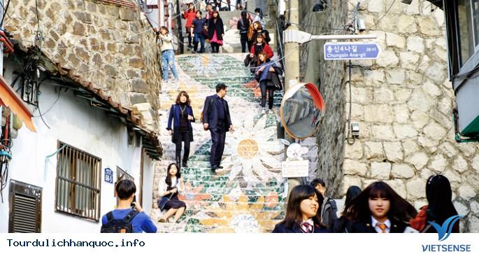 Những ngôi làng bích họa đẹp mê ly ở Hàn Quốc - Ảnh 3