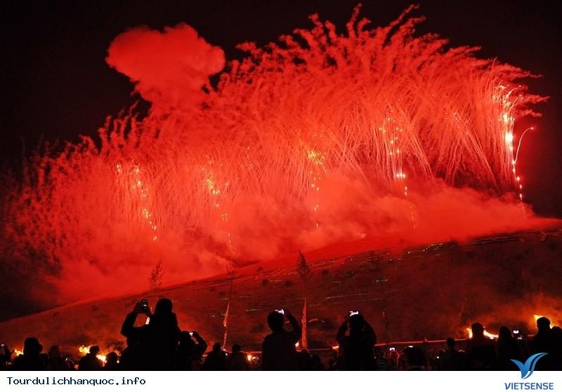 Hòa cùng sức nóng của Lễ hội Lửa Jeju - Ảnh 6