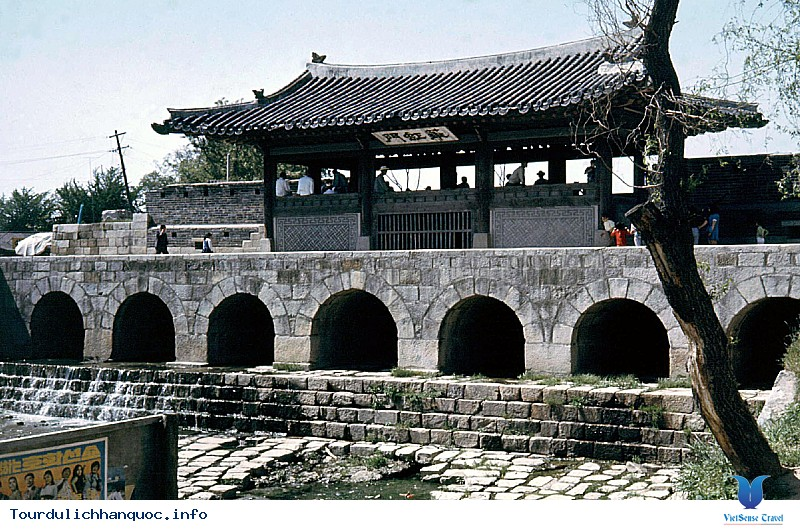 Thành cổ Hwaseong – Nơi tổ chức Lễ hội văn hóa Hwaseong Suwon - Ảnh 2