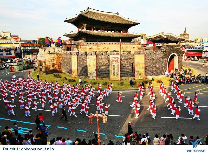 Lễ hội văn hóa Hwaseong Suwon - Ảnh 1