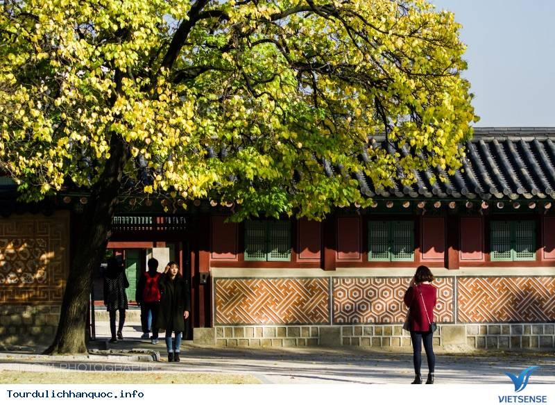 Ngắm Phố Cổ Samcheongdong Mùa Thu Tuyệt Đẹp - Ảnh 1