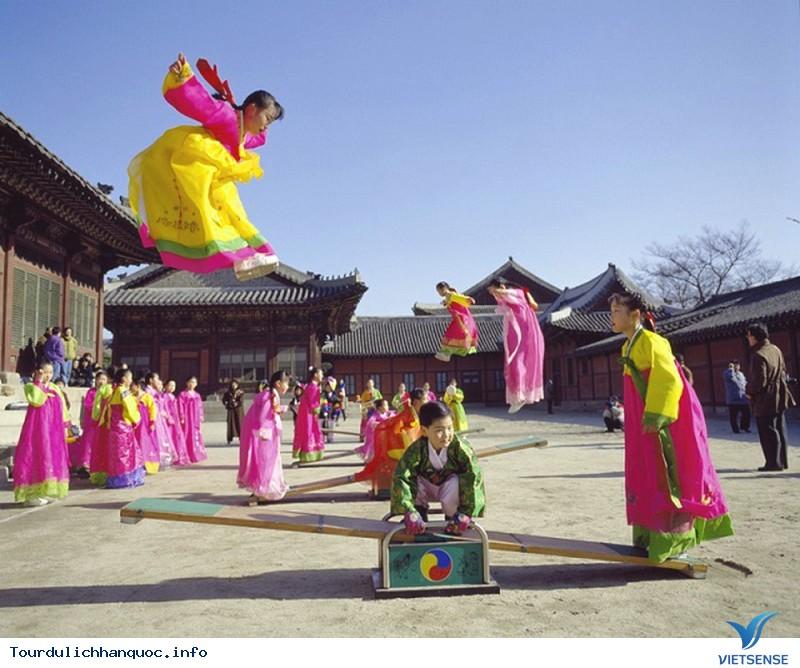 Nhìn Lại Hành trình Tìm Lại Tết Âm Lịch Của Hàn Quốc Trong Hàng Trăm Năm Qua - Ảnh 1