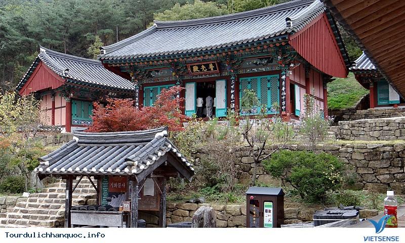 Những Địa Điểm Du Lịch Nổi Tiếng Tại Hàn Quốc - Ảnh 9