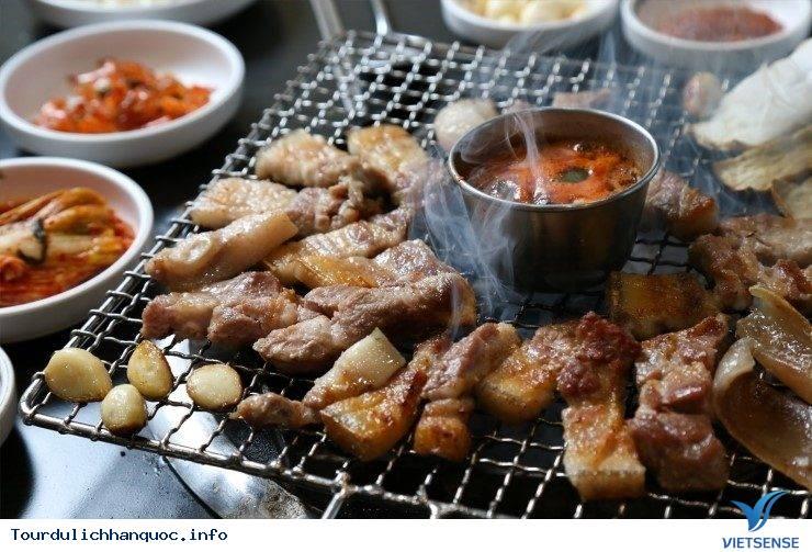 Thưởng Thức Thịt Heo Đen - Trải Nghiệm Tuyệt Vời Khi Đến Với Jeju Hàn Quốc - Ảnh 1