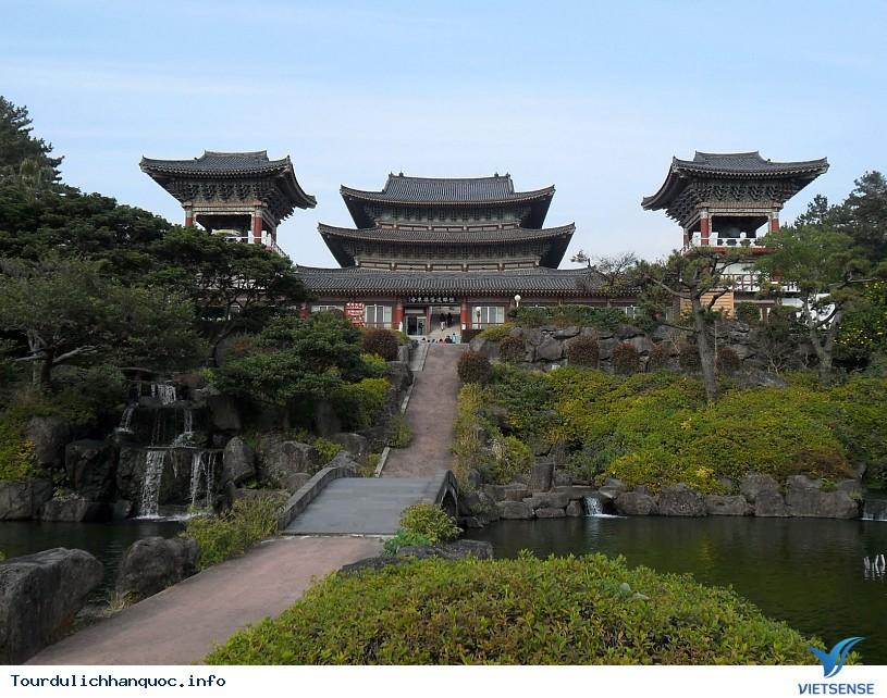 Đảo Jeju Hàn Quốc nổi tiếng với hai địa điểm tuyệt đẹp - Ảnh 2