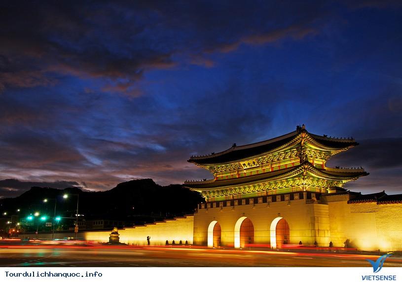 Quảng Trường Gwanghwamun rộng lớn và nổi tiếng của Hàn Quốc - Ảnh 3