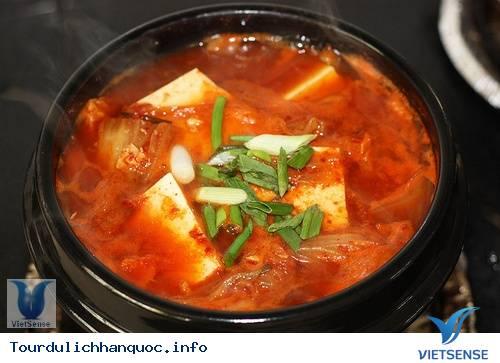 Du lịch Hàn Quốc - Canh Kim chi cải thảo - Kimchi-jjigae