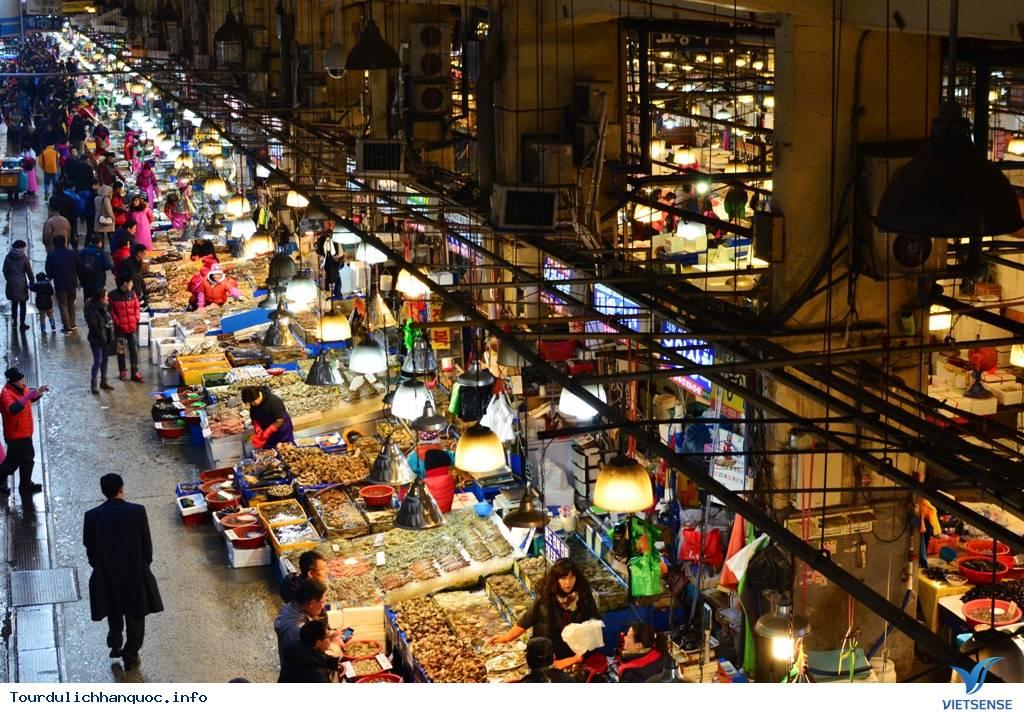 Chợ đêm Seoul sầm uất đầy náo nhiệt - Ảnh 2