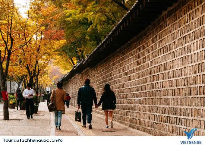 Con đường lãng mạn nhưng dính lời nguyền ở Hàn Quốc - Ảnh 3