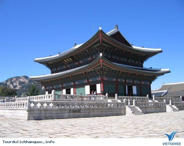Cung điện Hoàng gia Kyung-bok tráng lệ của Hàn Quốc - Ảnh 1