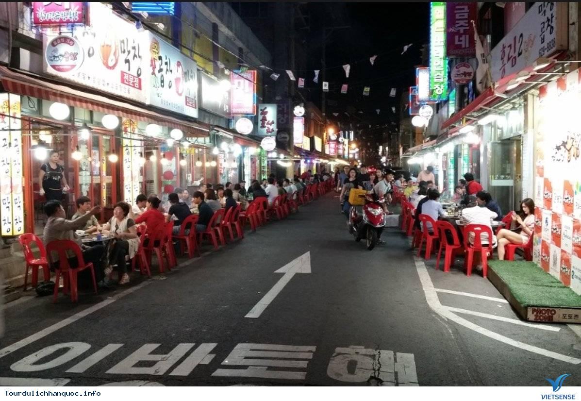 Ghé Thăm Con Phố Lòng Nướng Bình Dân Ở Seoul - Ảnh 2