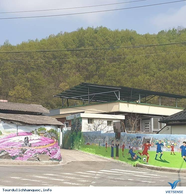 Khu phố tràn ngập những bức bích họa về đội tuyển Việt Nam tại Hàn Quốc - Ảnh 10