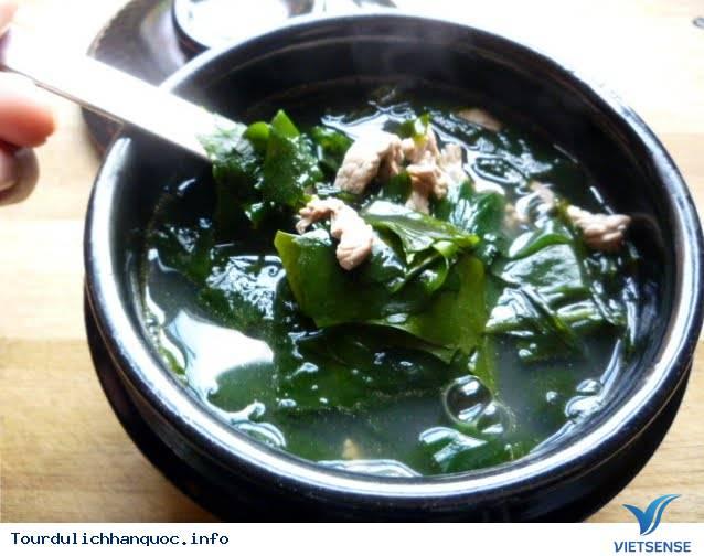 Những món canh thường xuyên xuất hiện trong bữa cơm người Hàn - Ảnh 1