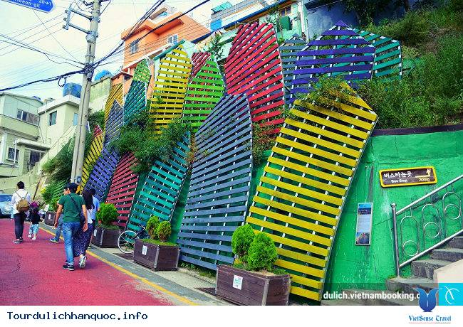 Những ngôi làng bích họa đẹp mê ly ở Hàn Quốc - Ảnh 11
