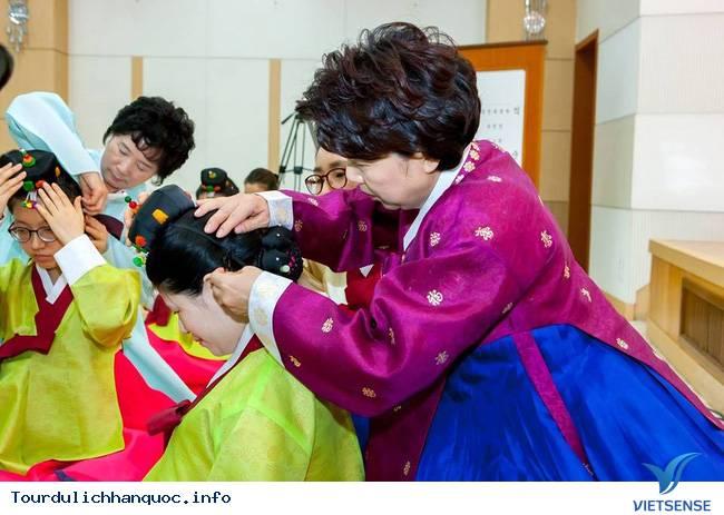 Nữ sinh Hàn Quốc rạng ngời trong lễ trưởng thành - Ảnh 6