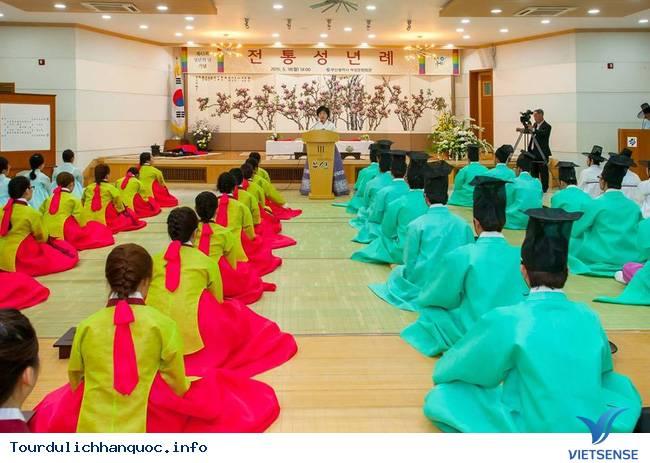 Nữ sinh Hàn Quốc rạng ngời trong lễ trưởng thành - Ảnh 12