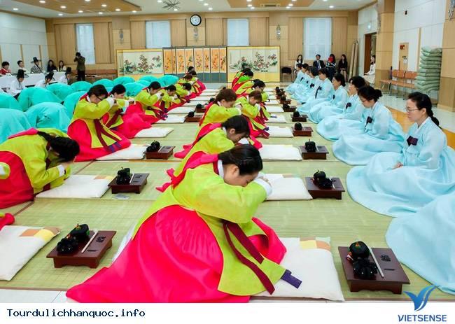 Nữ sinh Hàn Quốc rạng ngời trong lễ trưởng thành - Ảnh 3
