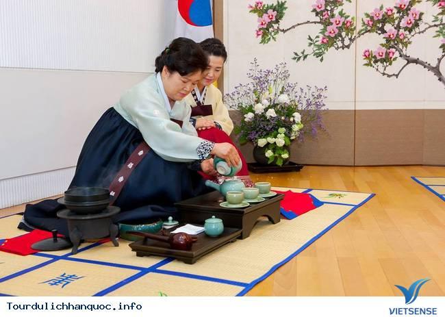Nữ sinh Hàn Quốc rạng ngời trong lễ trưởng thành - Ảnh 13