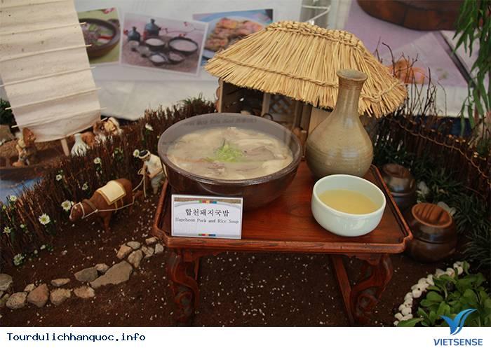 Thưởng thức rượu truyền thống trong làng cổ Hanok Namsangol Hàn Quốc - Ảnh 1