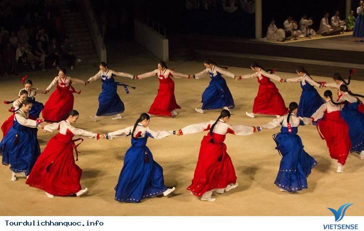 Trải nghiệm và khám phá về vũ hội đêm trăng Ganggangsullae - Ảnh 4