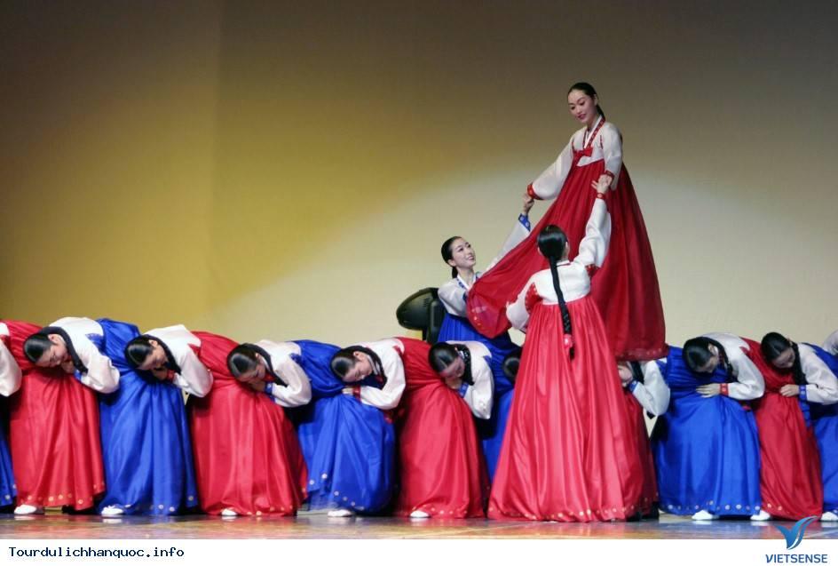Trải nghiệm và khám phá về vũ hội đêm trăng Ganggangsullae - Ảnh 5